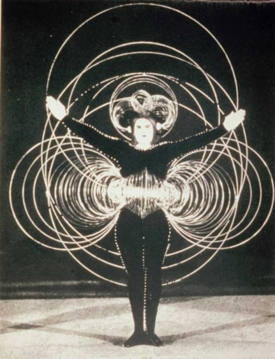 1921_Schlemmer_dancer_triadische_c